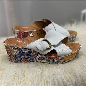 Born white leather sandals size 10M